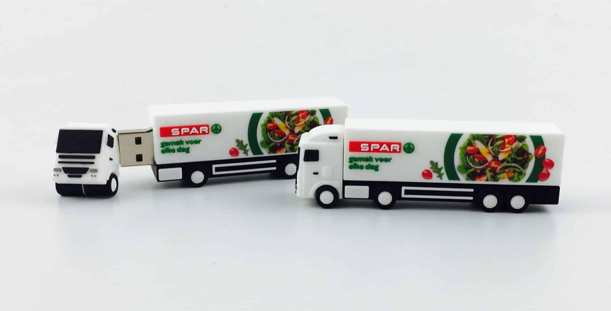 USB-stick vrachtwagen SPAR met full colour bedrukking logo